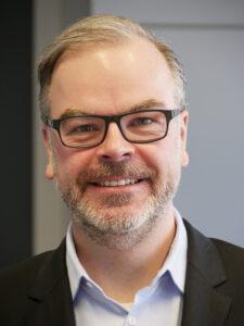 In seiner Forschung beschäftigt sich Prof. Dr. Frank Lobigs mit den Auswirkungen der Digitalisierung auf die ökonomischen Grundlagen des Journalismus.