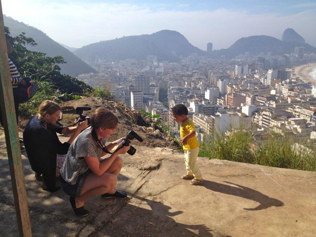 Als Erstes habt ihr uns in die Favelas von Rio de Janeiro geschickt. Da haben wir Luan getroffen.