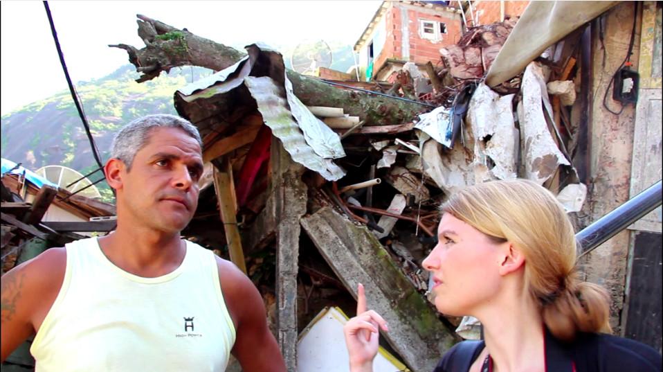 Sergio zeigt uns eingestürzte Häuser, die Touristen normalerweise nicht zu sehen bekommen.