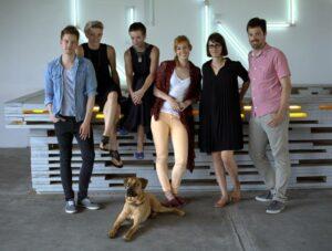 """Das """"Urban Journalism""""-Team um Mark Heywinkel, Rabea Edel und Jens Twiehaus mit Moderatorin Eva Schulz. (Bild: Urban Journalism)"""